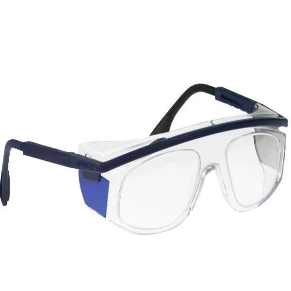 modelo de gafas con varillas ajustables